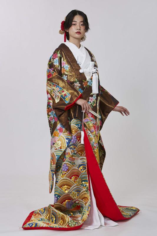絽刺繍熨斗目青海波に桜紋
